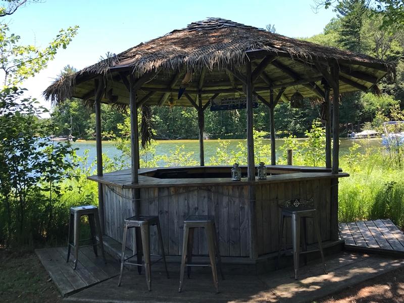 tiki bar moonlight bay resort